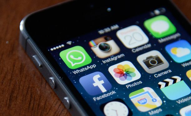 Wikileaksin mukaan CIA on pystynyt viemään tietoja muun muassa iPhone-puhelimista.