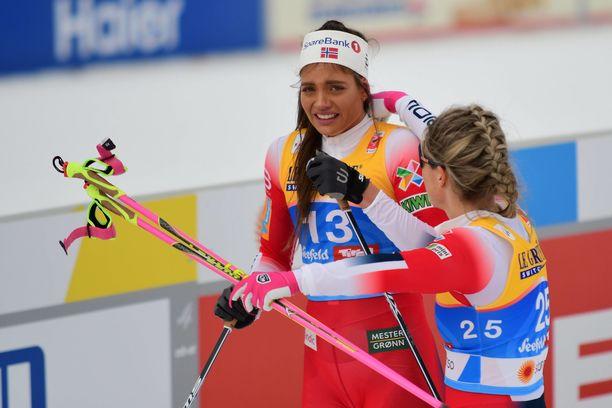 Kristine Stavås Skistad hiihti aikuisten MM-kisojen sprintissä viime kaudella Seefeldissä. Kisa päättyi hänen osaltaan epäonniseen kaatumiseen. Hän saavutti sijan 11.