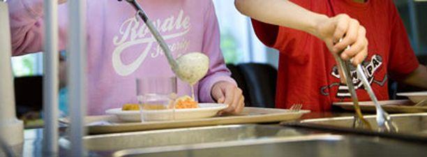 SYÖMÄLAKKO Tampereen kouluissa valmistauduttiin jo lakkoilemaan paremman ruuan puolesta.