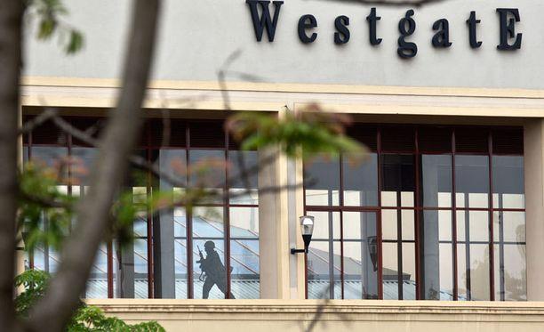 Somalialaisen al-Shabaab-terroristijärjestö hyökkäsi Westgaten ostoskeskukseen Nairobissa lauantaina.
