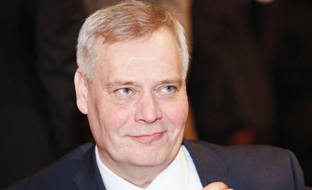 SDP:n puheenjohtaja Antti Rinne kritisoi Elinkeinoelämän keskusliittoa ja pääministeri Juha Sipilän johtamaa hallitusta sopimusyhteiskunnan romuttamiskehityksen aloittamisesta.
