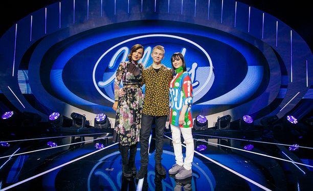 Julia, Leevi ja Anniina esiintyvät Idolsin finaalissa.