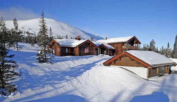 Grönholmin ylellinen loma-asunto sijaitsee Norjan Trysilissä lumisissa maisemissa.