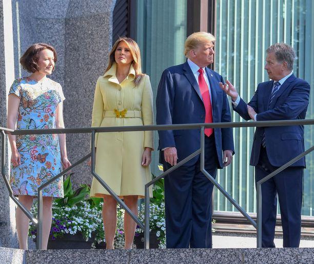 Presidentti Niinistö ja rouva Jenni Haukio tarjosivat Mäntyniemessä aamiaista Donald ja Melania Trumpille.