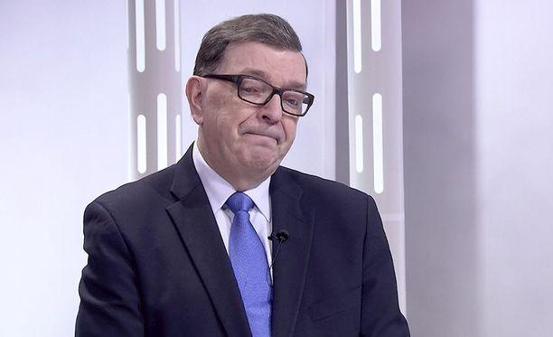 Paavo Väyrynen (kesk) vieraili ILTV:n Sensuroimaton Päivärinta -ohjelmassa helmikuussa 2018.