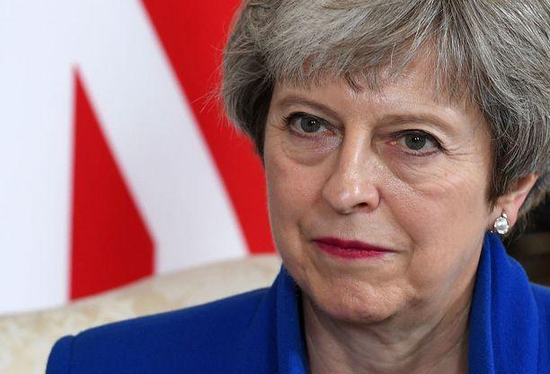 Iso-Britannian pääministeri Theresa May vastusti Brexitiä kansanäänestyksen aikaan, mutta ajaa nyt läpi kansan tahtoa.