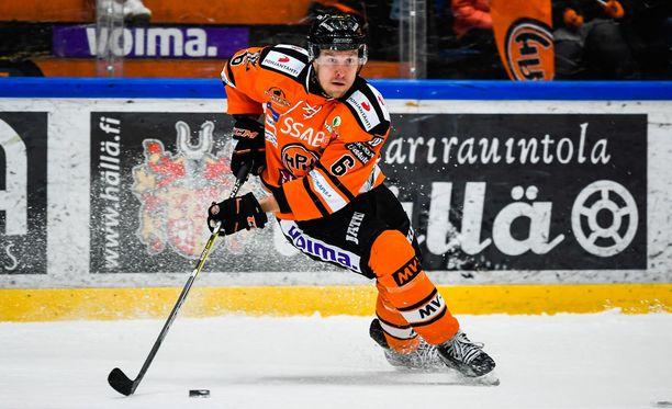Niklas Hagman napsi kolme syöttöpistettä HIFK:ta vastaan.