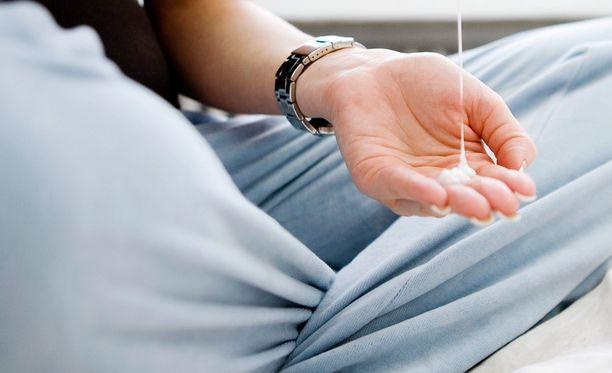 Apobase-voide on aiheuttanut hämeenlinnalaiselle miehelle punoitusta ja kutinaa. Kuvituskuva.
