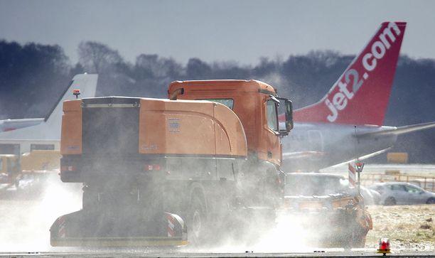 Lentoliikenne on ollut pahoissa vaikeuksissa Britanniassa lauantaina. Kuva on Leedsin lentokentältä.