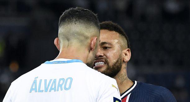 Neymar ja Álvaro ottivat tulisesti yhteen Ranskan liigan huippukamppailussa.