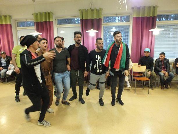 Monet Kaupin vastaanottokeskuksen turvapaikanhakijoista ovat jo nyt ilmoittaneet jäävänsä Suomeen mieluummin laittomasti, kuin palaavansa kotimaahansa vapaaehtoisesti.