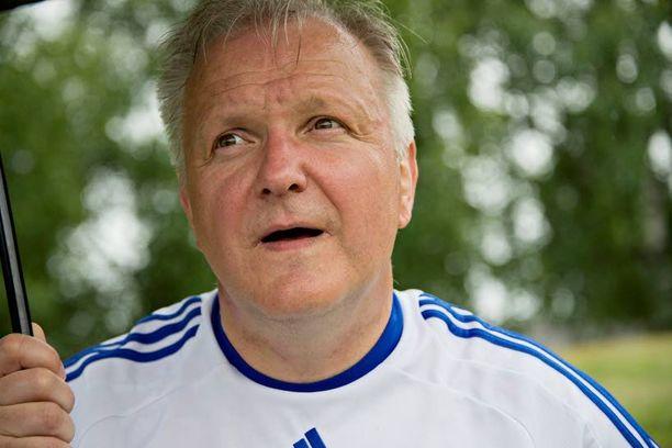 Jalkapallomiehenä tunnettu Olli Rehn aloitti kiinnostavalla avauksellaan euro-vaalipelin.