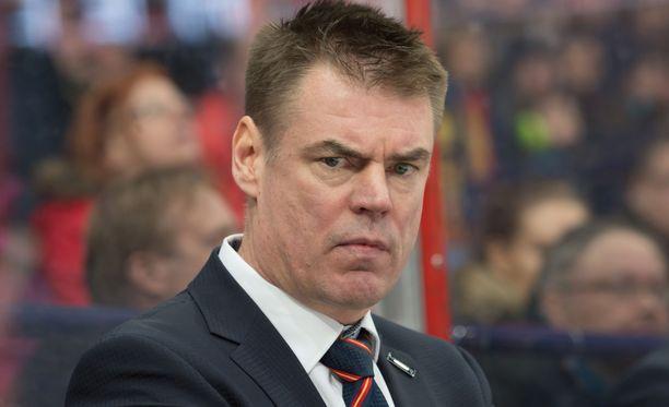 Raimo Helminen toimii kolmatta kautta Jokerien kakkosvalmentajana.