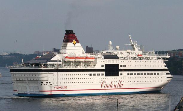 Cinderella oli reitillä Tukholman ja Maarianhaminan välillä epäillyn rikoksen tapahtuessa.