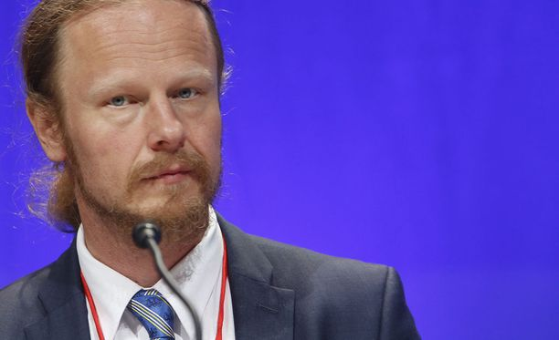 Perussuomalaisten kansanedustaja Juho Eerolaa on kuulusteltu torstaina epäiltynä kiihottamisesta kansanryhmää vastaan.