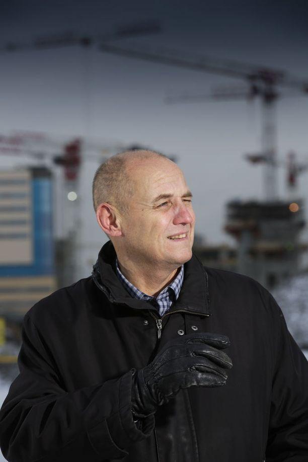Rakennusalan varapuheenjohtaja Kyösti Suokas varoittaa villistä menosta, joka saatavuusharkinnan poistamisesta voisi seurata.