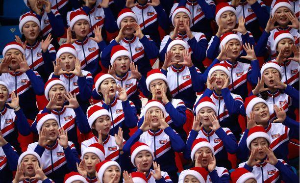 Pohjois-Korea lähetti Pyeongchangiin 229 cheerleaderin iskuryhmän.