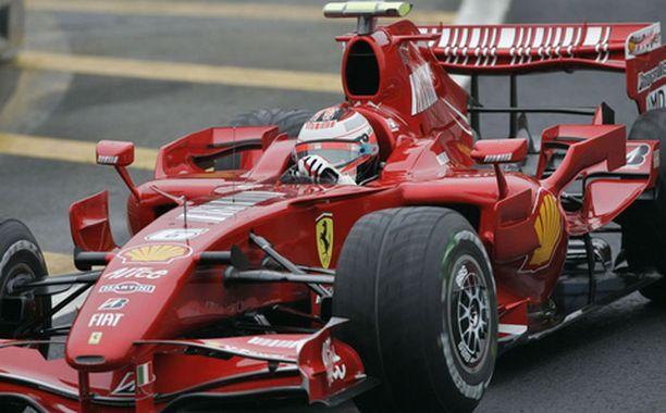 Tulessa Kimi Räikkönen aloitti Brasilian GP-viikonlopun vauhdilla.