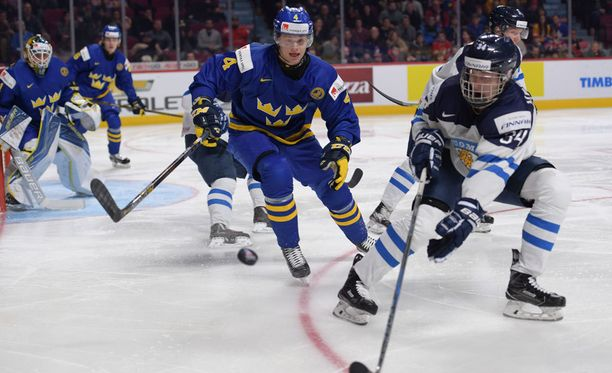 Suomi jäi nuorten MM-kisoissa alkulohkonsa viimeiseksi ja joutuu karsimaan A-sarjapaikastaan.
