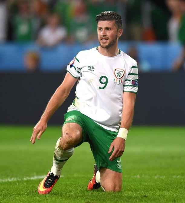 Irlannin pelaajat polvistuivat Unkaria vastaan käydyn ottelun alussa.