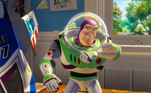 Buzz Lightyear palasi omistajalleen seikkailujensa jälkeen.