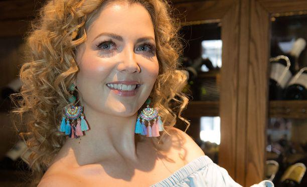 Alexandrova on juontanut myös lukuisissa televisiohjelmissa.