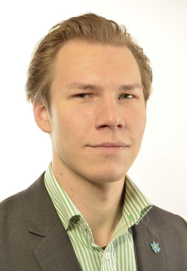 Vuonna 1988 syntynyt Markus Wiechel on aiemmin puolustanut puolueenjohdon nollalinjaa rasismin suhteen.