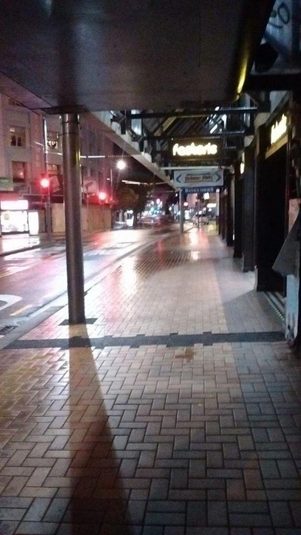 Wellington on muuttunut aavekaupungiksi ja sen kadut ovat tyhjentyneet.