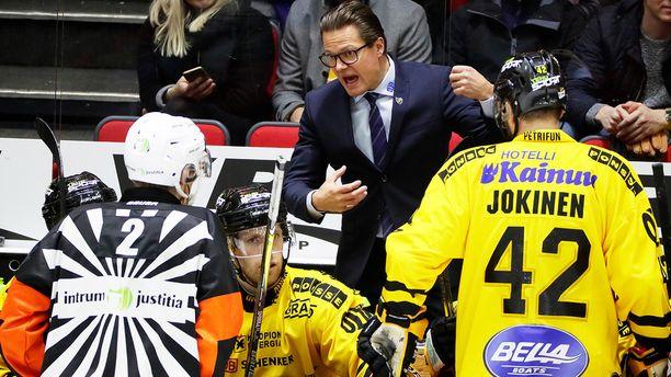 Päävalmentaja Sami Kapasen johtama KalPa romahti Helsingissä rumaan tappioon.