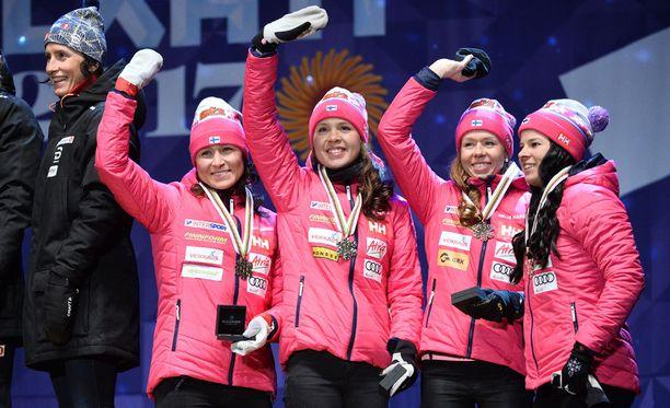 Himmein mitali ei haitannut menoa. Suomalaisia juhlittiin kuin voittajia.