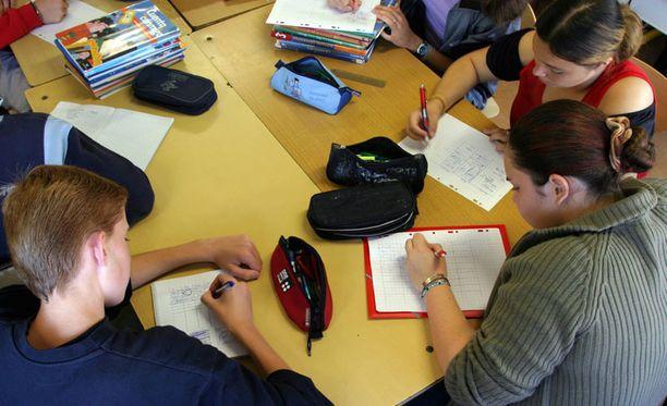 Opiskelijat eivät mielestään saa tarpeeksi apua opiskeluongelmiinsa.