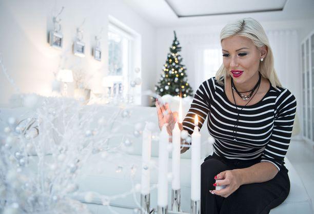 Torppa valmisteli valkeaa joulua parin yhteisessä kodissa vuonna 2016.