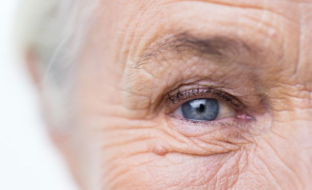 Vogue tietää, ettei kauneus katso ikää.