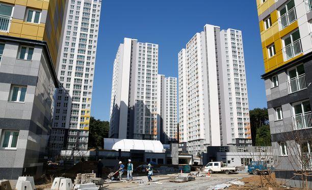 Pyeongchangin olympiakylä vaati maanantaina kuolonuhrin.