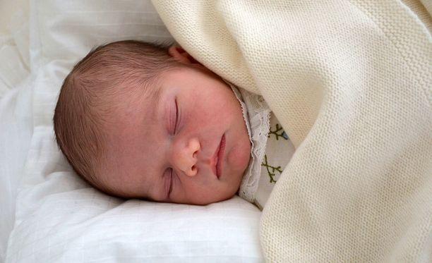 Prinssi Oscar kastetaan Kuninkaanlinnan kirkossa perjantaina.
