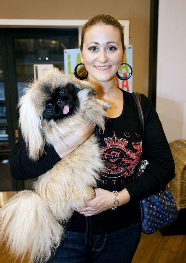 Marion Melnik nimesi koiransa prinsessa Madeleinen mukaan.