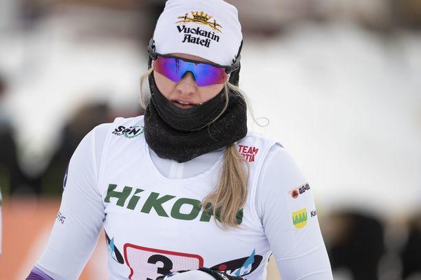 Vilma Nissinen hiihti perjantaina Pyhäjärvellä pariviestin SM-kultaa.