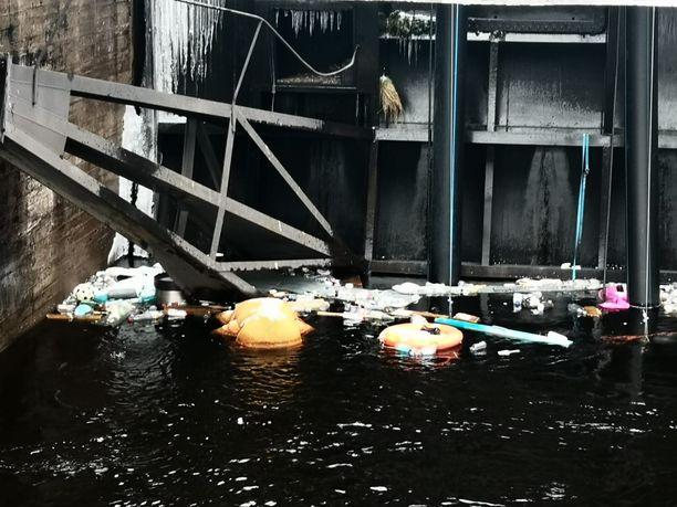 Näky Tammerkoskessa oli ennen pelastustehtävää varsin lohduton.