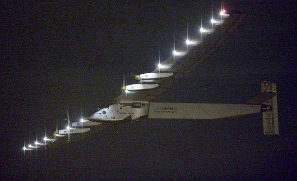 Solar Impulse 2 kulkee aurinkoenergian voimalla.