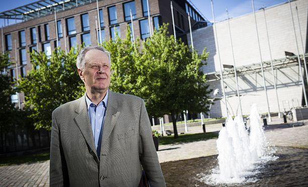 Konkariedustaja Seppo Kääriäinen jättää aukon Savo-Karjalan keskustan riveihin vaalipiirissä.