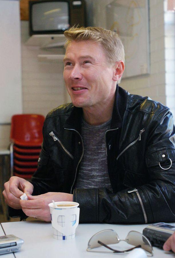 Vuonna 2004 Mika Häkkinen piipahti Ahvenistolla sumpilla.