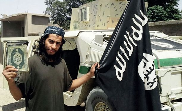 Abdelhamid Abaaoudin on aiemmin uskottu olleen Syyriassa, mutta mies saattaakin olla Ranskassa. Häntä on kutsuttu perjantaisten terrori-iskujen aivoiksi.