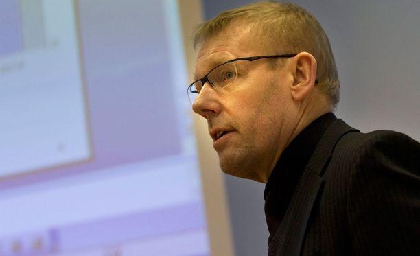 Jarmo Saarelan mukaan Liigan Ilvekselle antamat sakot rajoittavat pelaajien työnsaantimahdollisuuksia.
