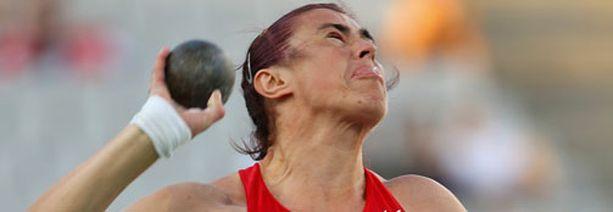 Valko-Venäjän Janina Pravalinskay-Karoltshyk jäi kuulantyönnössä neljänneksi, vaikka suorituksessa oli paljon tunnetta mukana.