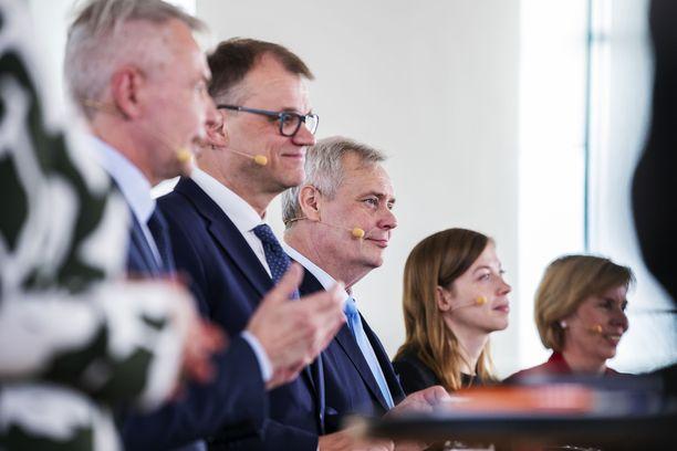 Keskustan puheenjohtajalla Juha Sipilällä on ollut viime päivinä syytä hymyyn.