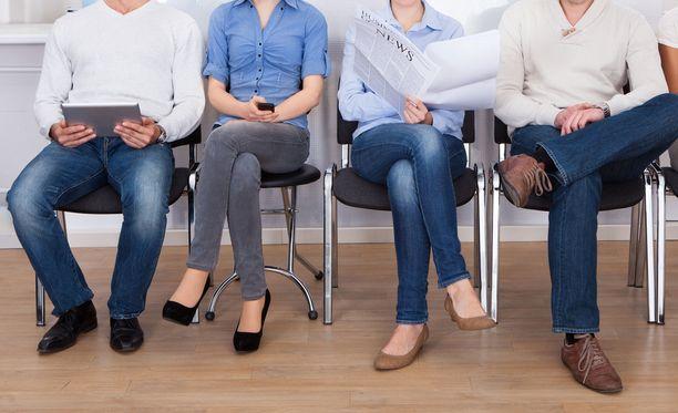 Aktiivimalliin hyväksyttäisiin jatkossa SIB-toimet eli työ- ja elinkeinoministeriön johtamat tulosperusteiset, tietyille kohderyhmille suunnatut työllistämishankkeet