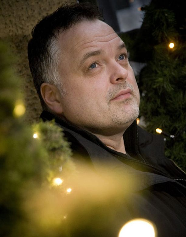 Charles Plogmanin joulu on mennyt syödessä, televisiota katsellessa sekä yhdessäolosta nauttiessa.