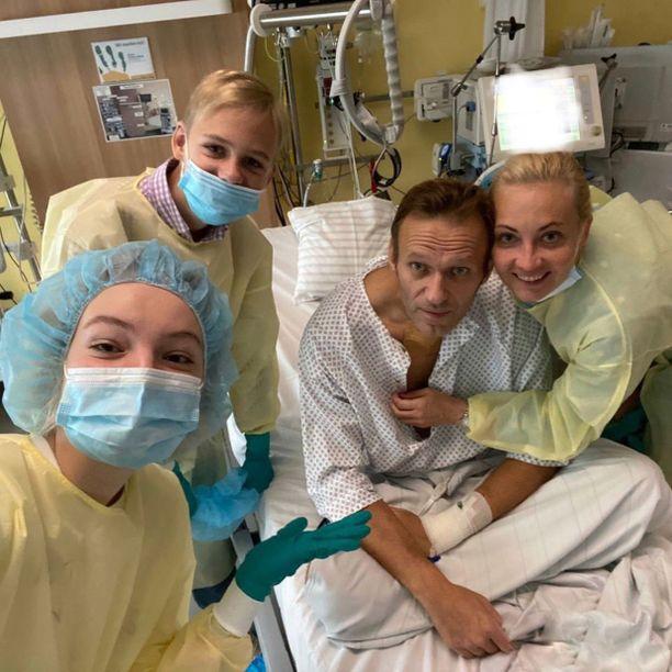 Venäjän oppositiojohtaja sairastui lennollaan 20.elokuuta Siperiasta Moskovaan. Kuva on alunperin julkaistu Navalnyin Instagram-tilillä.
