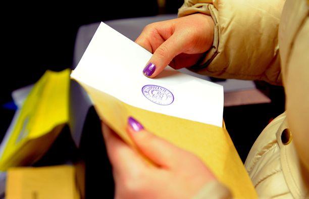 Kaikki halukkaat eivät päässeet äänestämään ennakkoon Oulussa.