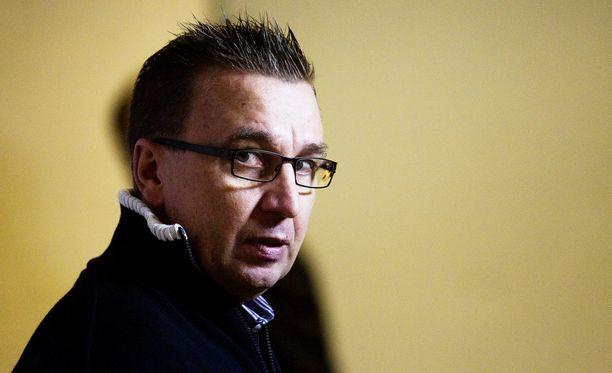 Ari-Pekka Selin valmentaa ensi kaudella TPS:ää, uutisoi MTV.
